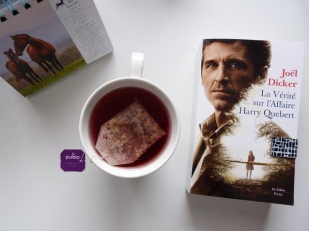 une bon thé et un bon livre pour plus m'hydrater au quotidien
